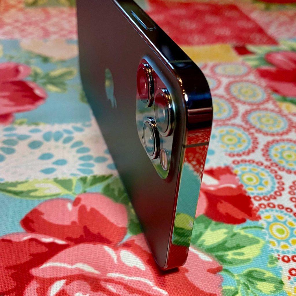 iPhone 12 Pro Flat Shiny Edge
